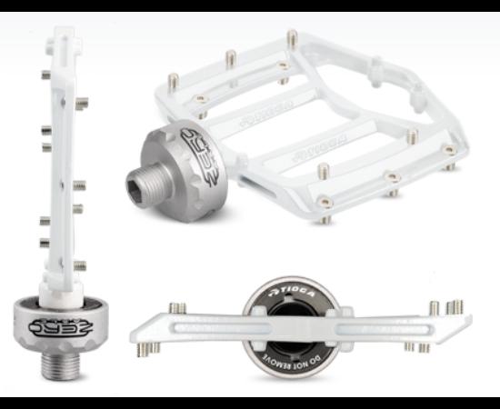 Tioga MT Zero ipari csapágyas alumínium platform pedál cserélhető tüskékkel, fehér