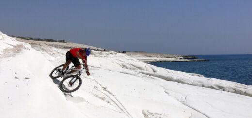 Cipruson kerékpározni