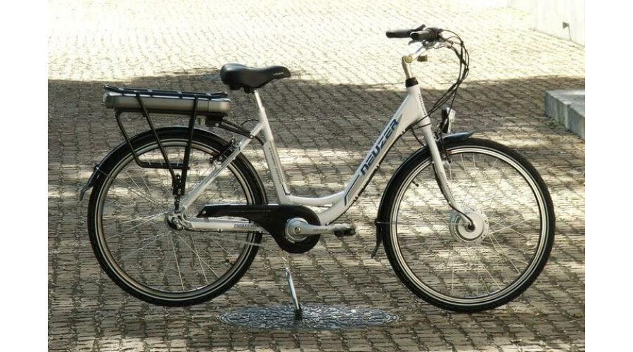 Neuzer E-City női 26os pedelec városi kerékpár 240W 18as 3s agy váltós ecf0b8b4db